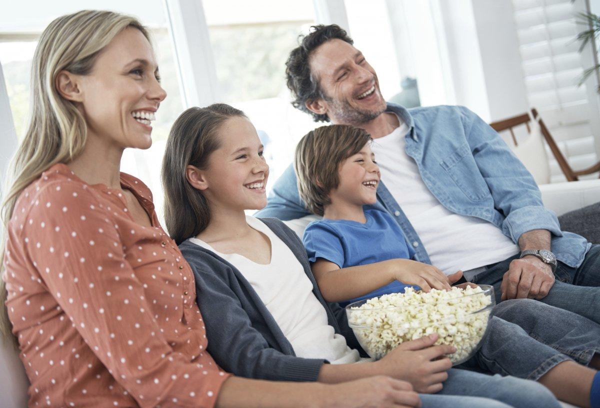 Sjedenje pred televizijom svedite na minimum jer tako štetite svom zdravlju, a dajete i loš primjer djeci