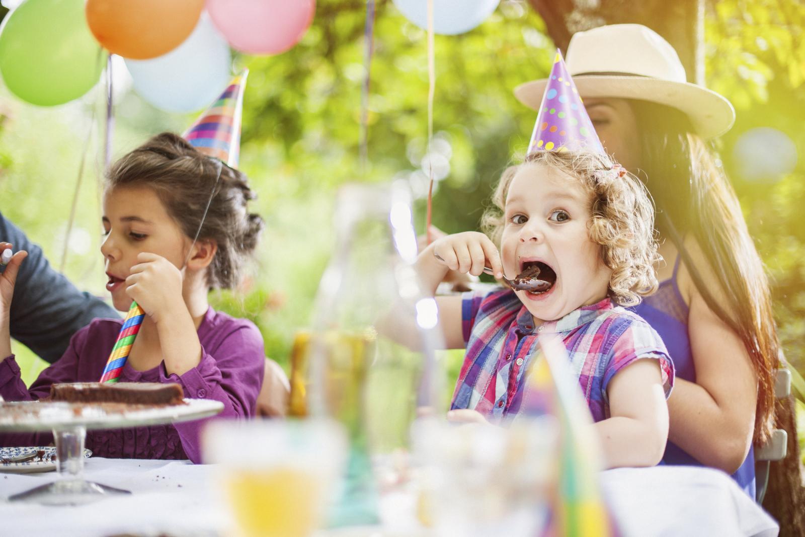Za rođendan na otvorenom ne morate ići daleko - obližnji park, igralište, livada ili vaš vrt bit će odlična kulisa za ročkas vašeg mališana.
