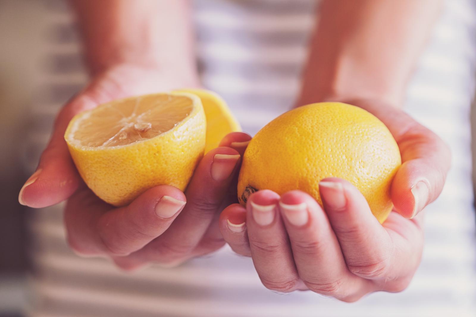 Ako limun koristite u jelu, piću ili ga stavljate na tijelo svakako birajte neprskani.