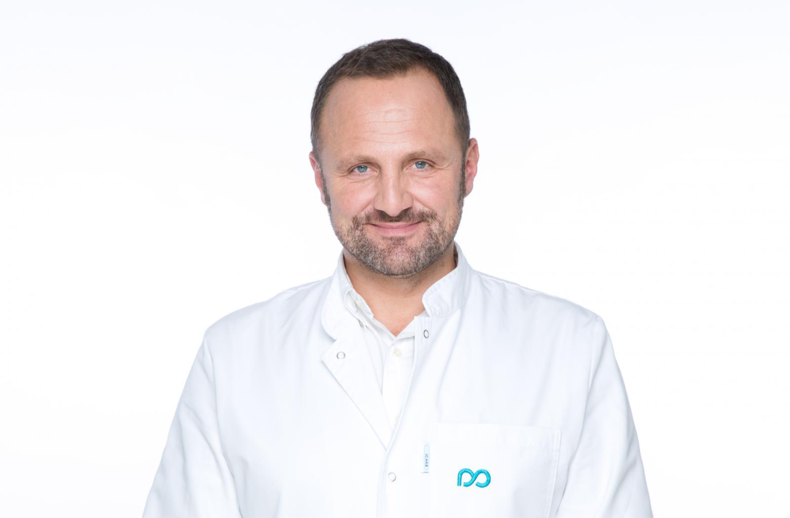 Dr. Milojevića možete pronaći u njegovoj Poliklinici u Gundulićevoj 40 u Zagrebu.
