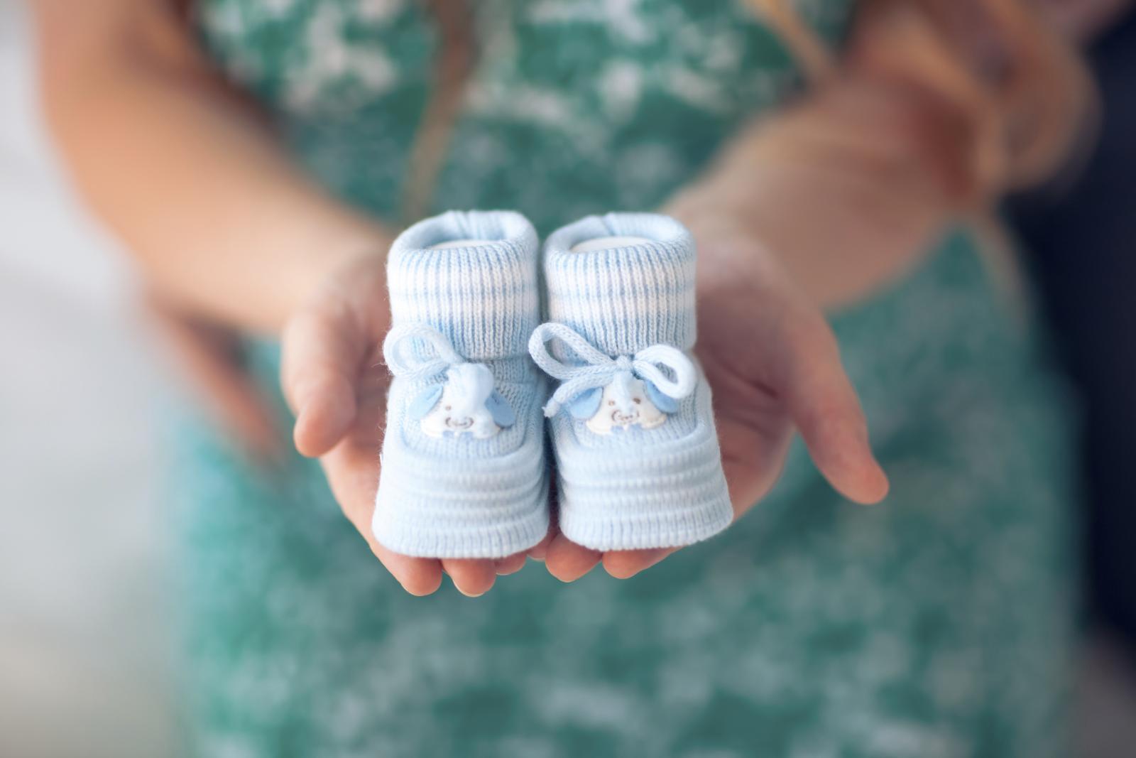Razlog teže trudnoće kada žena nosi muško dijete znanstvenici ne znaju, ali pretpostavljaju da ključ leži u genima.