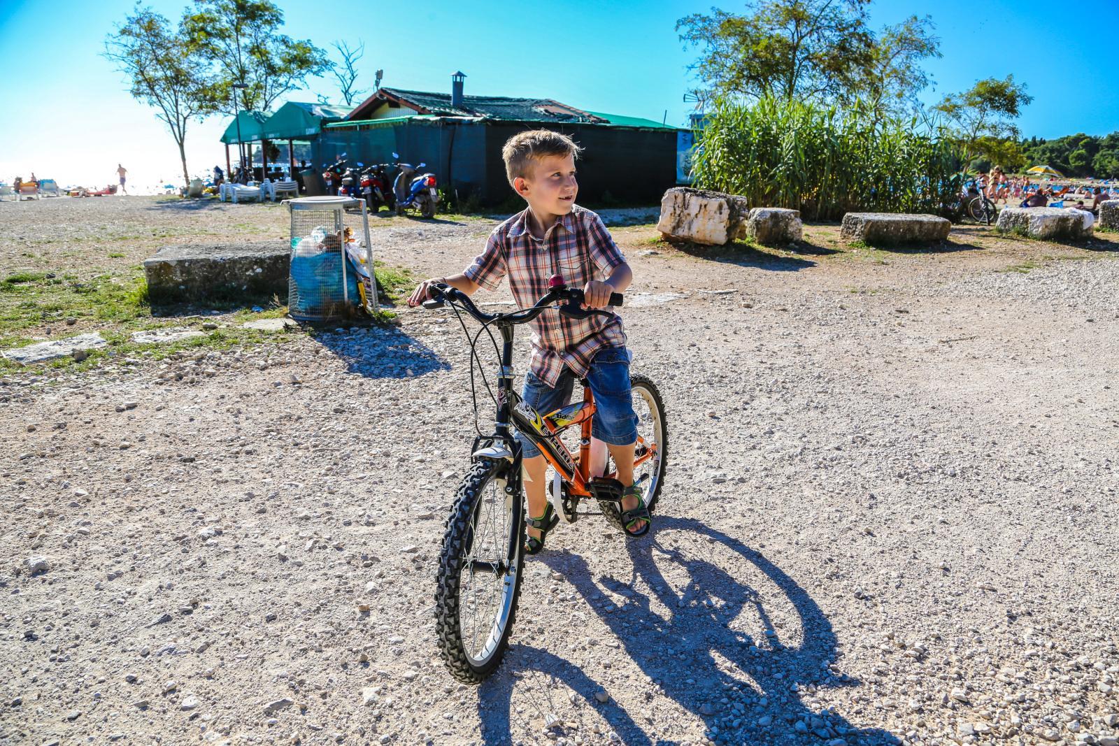 Nicollo je jedna od oko stotinu osoba koje u našoj zemlji boluju od ove nasljedne bolesti. No njemu je tek sedam godina i nije jedino dijete s tom dijagnozom...