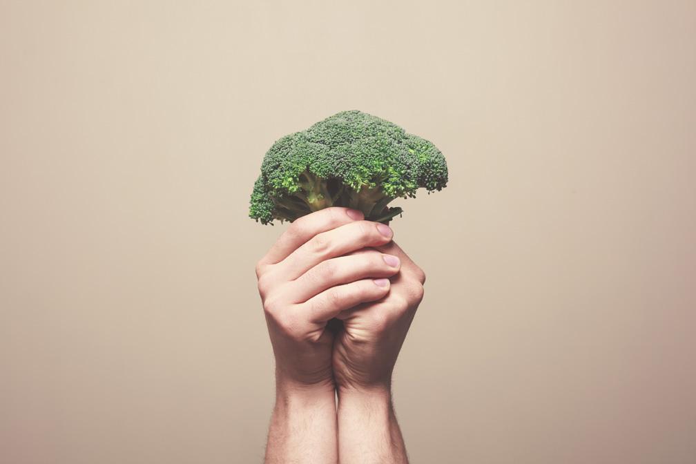 Već smo pisali da je brokulu dobro jesti sirovu, no i u kremastoj juhici ili zapečena sa sirom, mogla bi vas oduševiti