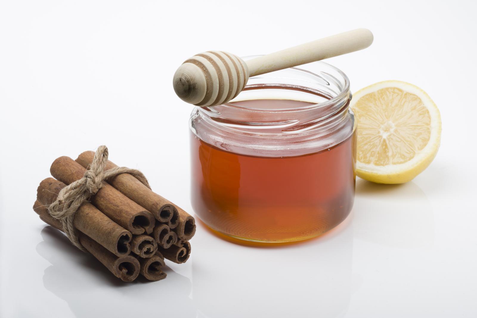 Ljekovita svojstva meda i cimeta poznata su iz davnina.