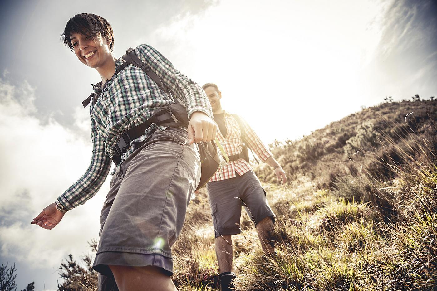Pažljivo planirajte što ćete od hrane i pića ponijeti na planinarenje. Vjerojatno vam nije cilj osjećati se kao da nosite klavir!