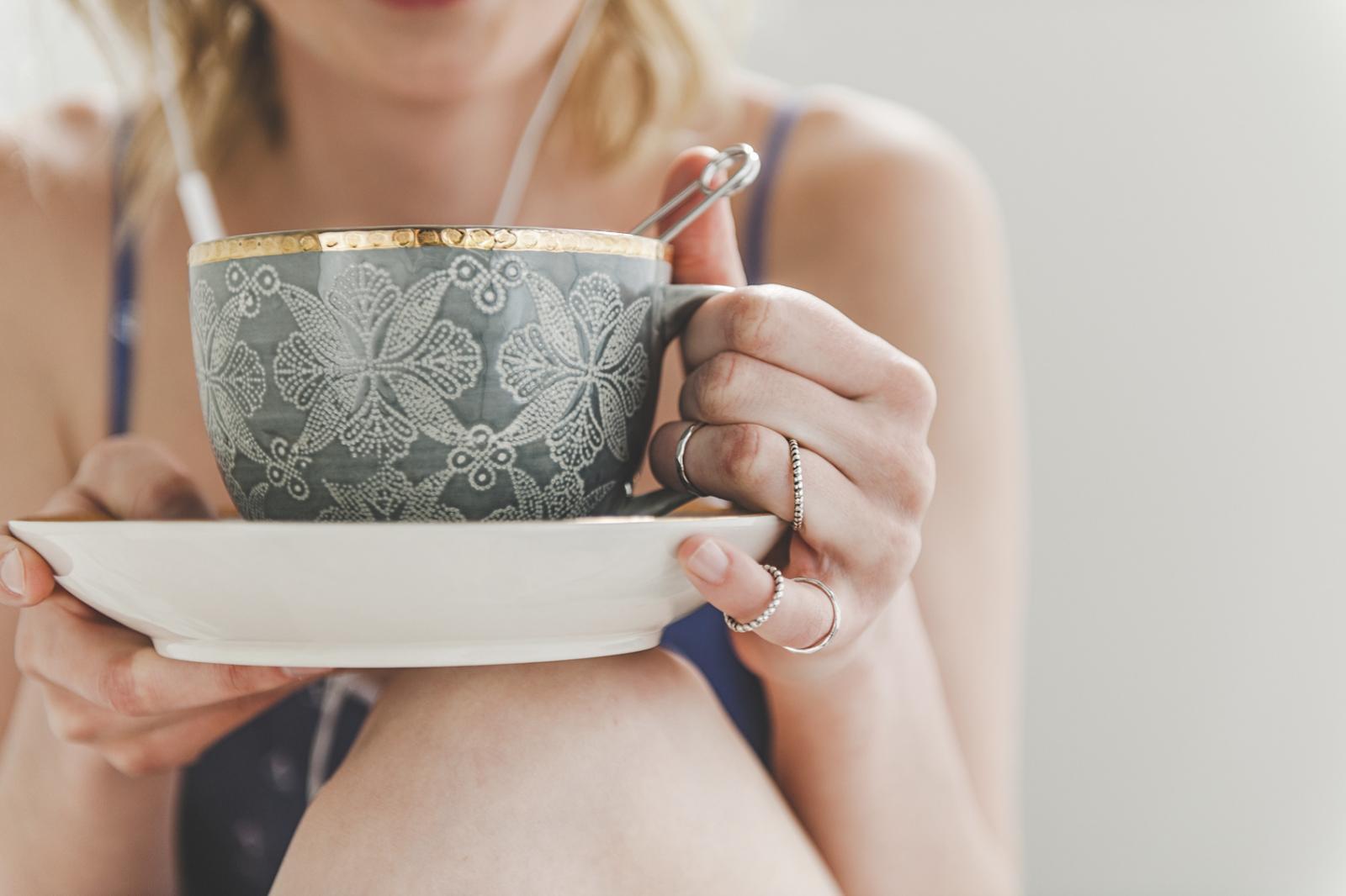 Uz mnoge prednosti koje pruža našem tijelu, čaj sadrži i minerale magnezij i kalcij, vitamin D, a i snažan je antioksidans.