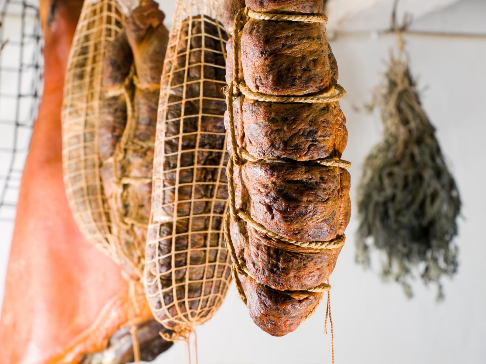 Ako se ičime možemo pohvaliti, tada su to tradicionalni domaći proizvodi...