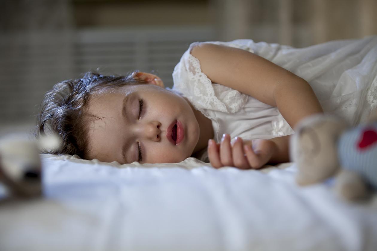 Stručnjaci savjetuju da bi roditelji djecu koja redovito ili često hrču trebali odvesti na liječnički pregled