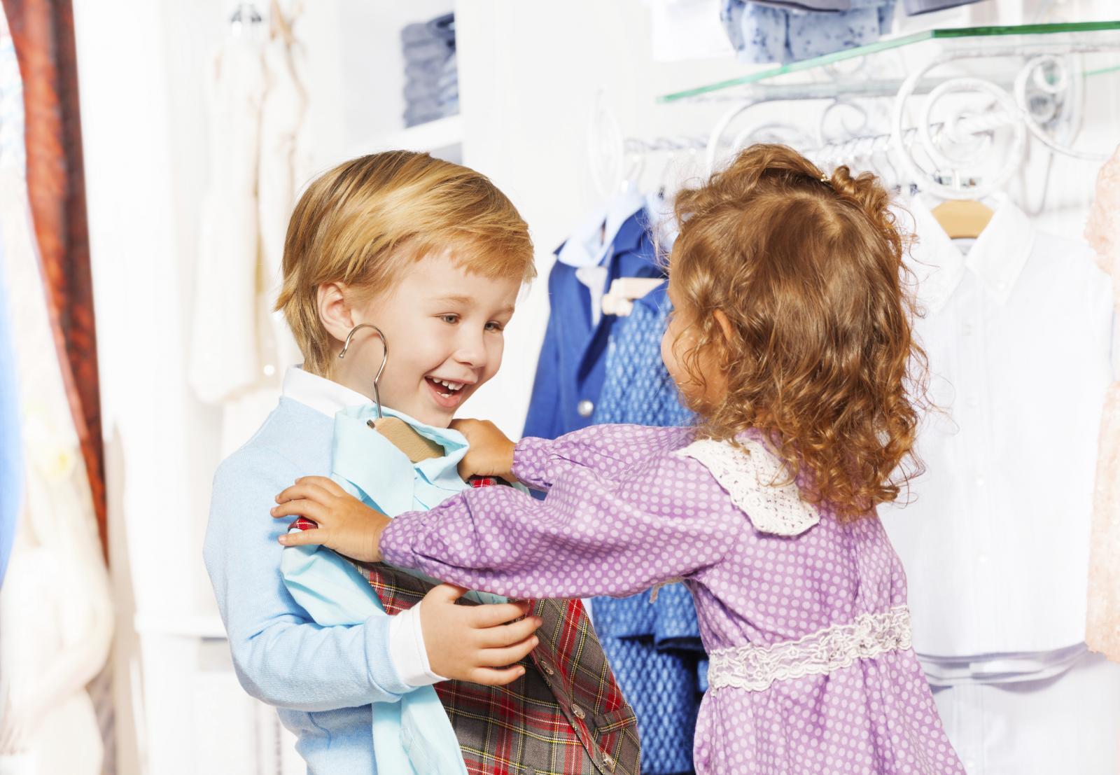 Posebno oprezni trebali bismo biti pri odabiru odjeće za djecu jer je njihova mlada koža osjetljivija od naše.