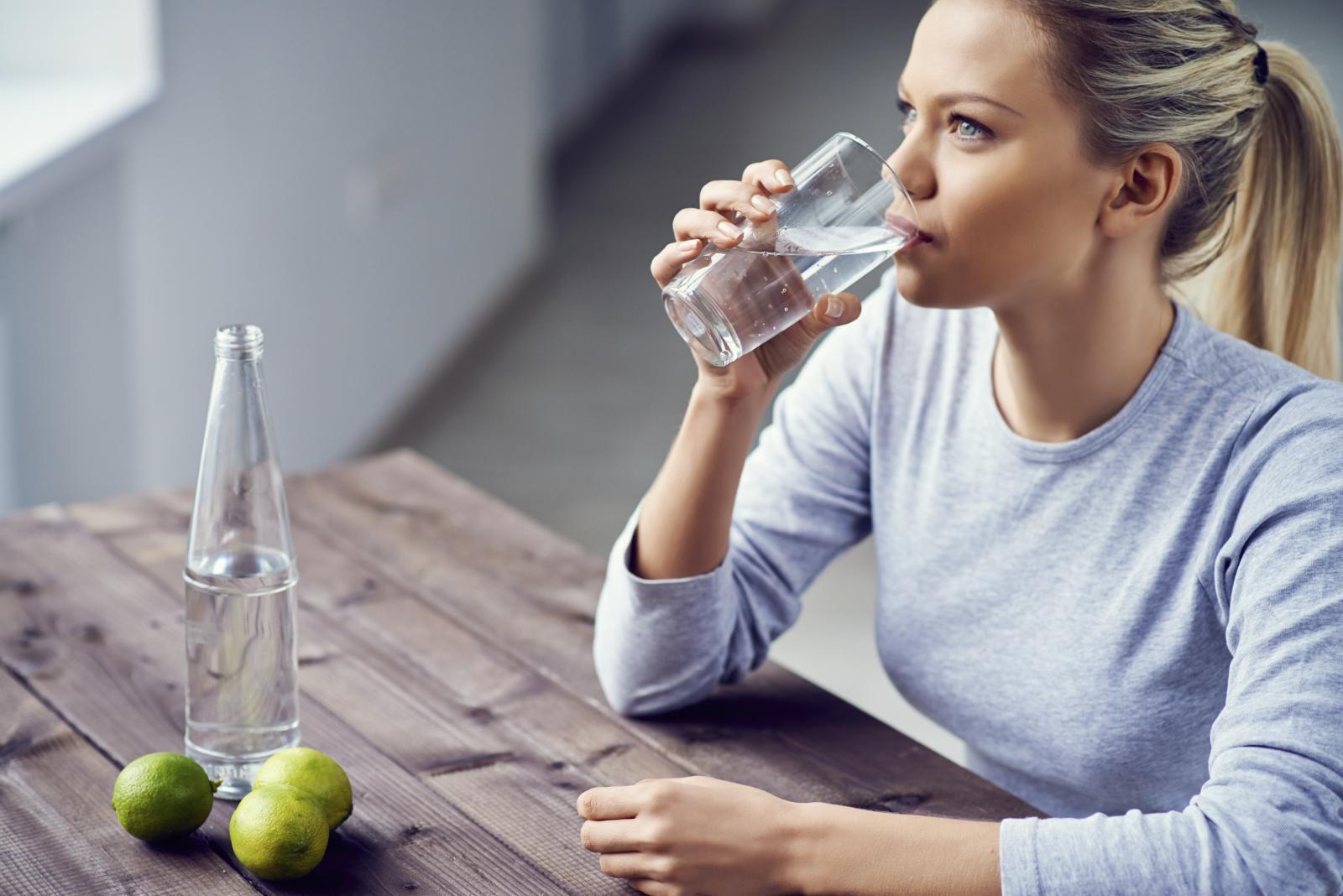 Dodate li joj samo jedan voćni dodatak vaša voda imat će bolji okus, a i radije ćete je i češće piti.