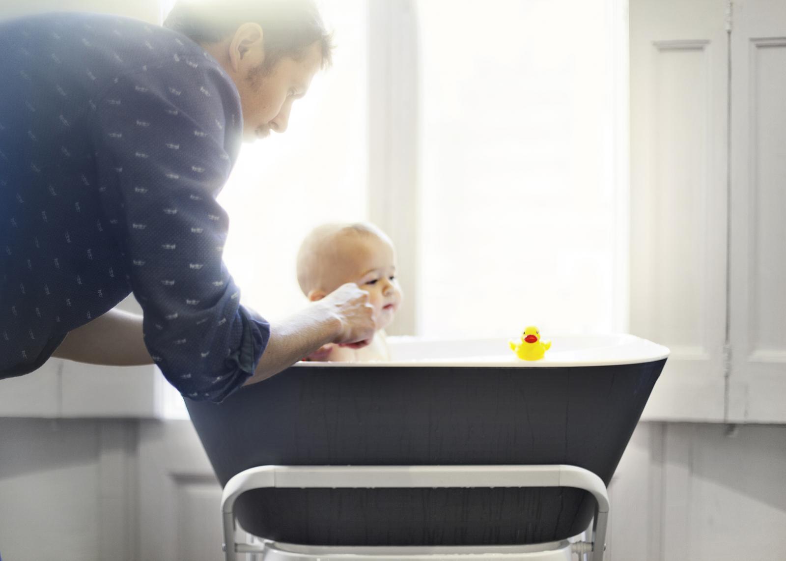 Kako biste izbjegli infekcije, nemojte bebu kupati u kadici s vodom!