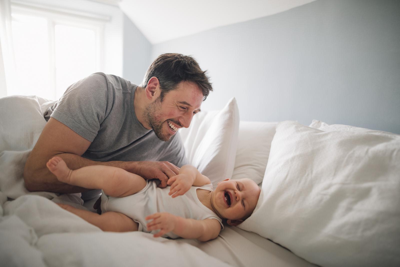 Jedna od novosti je i to da je Filip napokon počeo doživljavati i tatu. Hip-hip-hura!