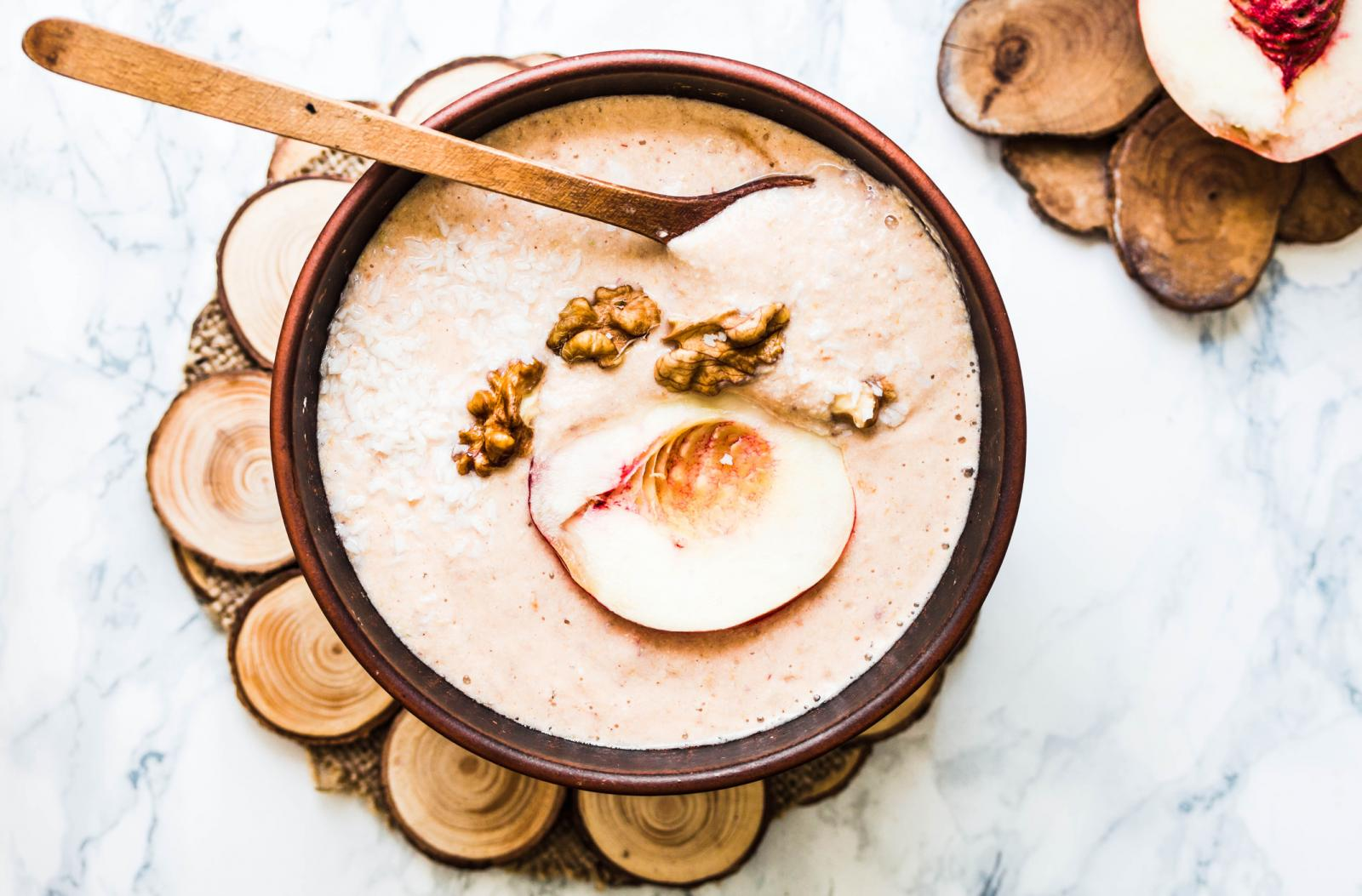 Zbog svog specifičnog okusa, svježi plod navikli su jesti samo u Peruu i Brazilu, kod nas ćete je naći u prahu pa je možete miješati u smoothie, smjesu za palačinke, kolače i sl.
