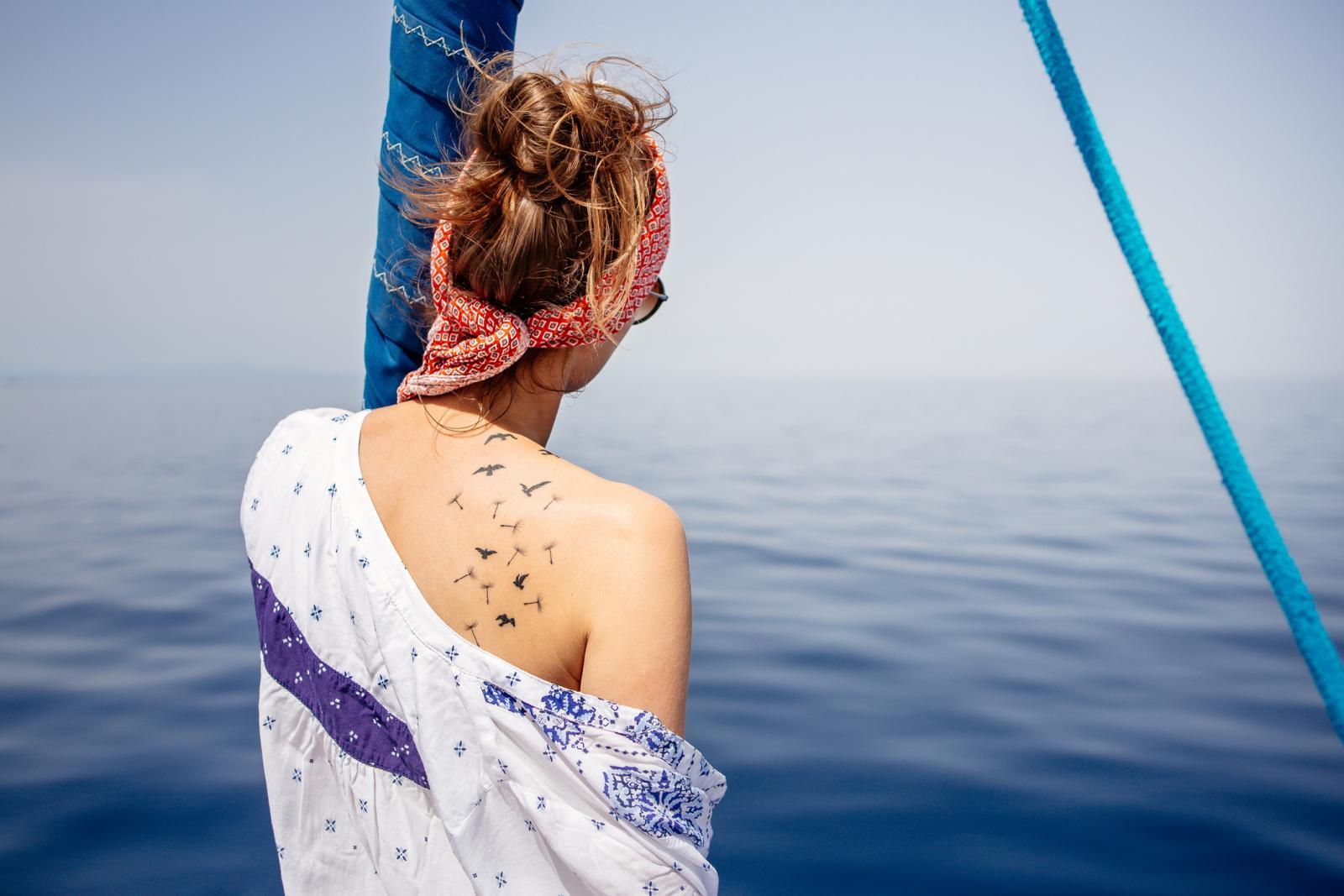 Dok god je rana svježa, treba izbjegavati kupanje u jezeru, rijeci, bazenu, pa čak i u moru.