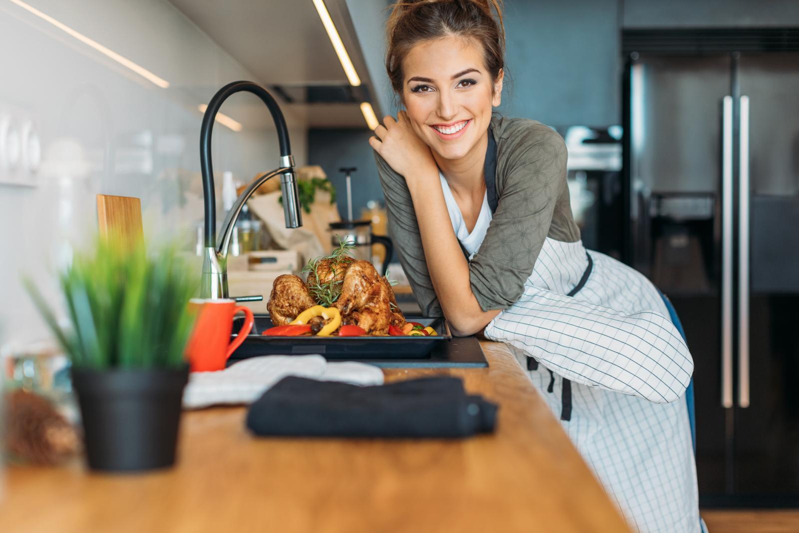 Poznato je da se trebamo čuvati mesa peradi i jaja, no sve češće salmonelu nalazim i u voću i povrću.