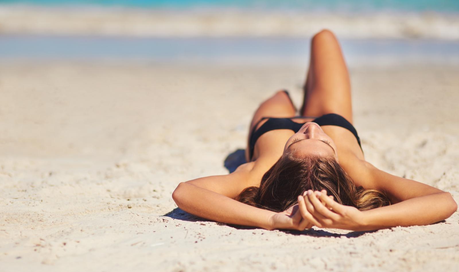 Vitamin D sintetizira se putem kože pod djelovanjem sunčeve svjetlosti samo ako je dužina valova sunčevih zraka dovoljna da postigne određeni intenzitet.