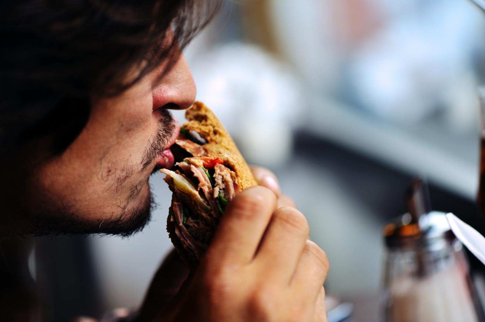 Hrana životinjskog podrijetla nije dobar izbor želite li se riješiti ovog 'daveža'.