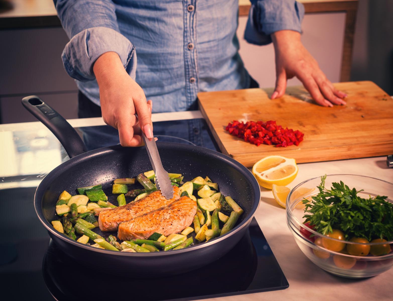 U prehranu uključite tunu, losos i srdele.