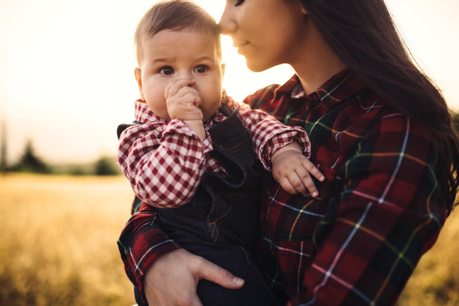 Strah od toga da će roditelj višesatnim nošenjem razmaziti dijete potpuno je neutemeljen i nepotreban.