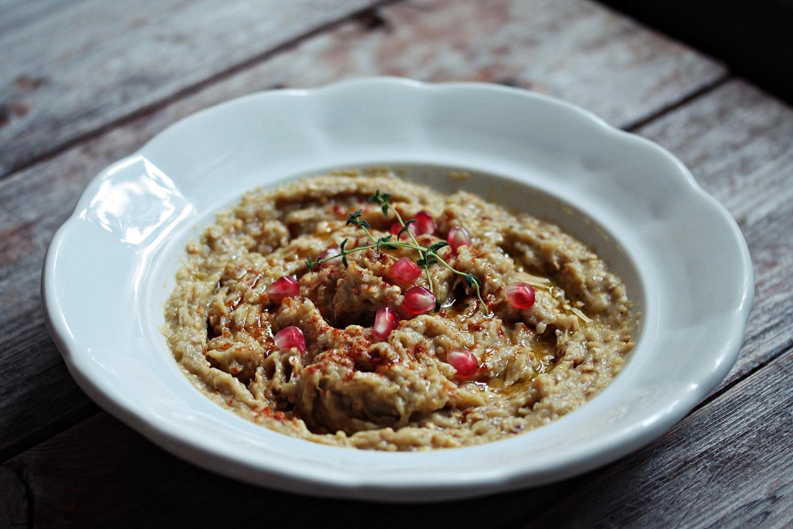 Jedno od najdivnijih jela na svijetu meni je zasigurno baba ghanoush. To mi je meza broj 1.