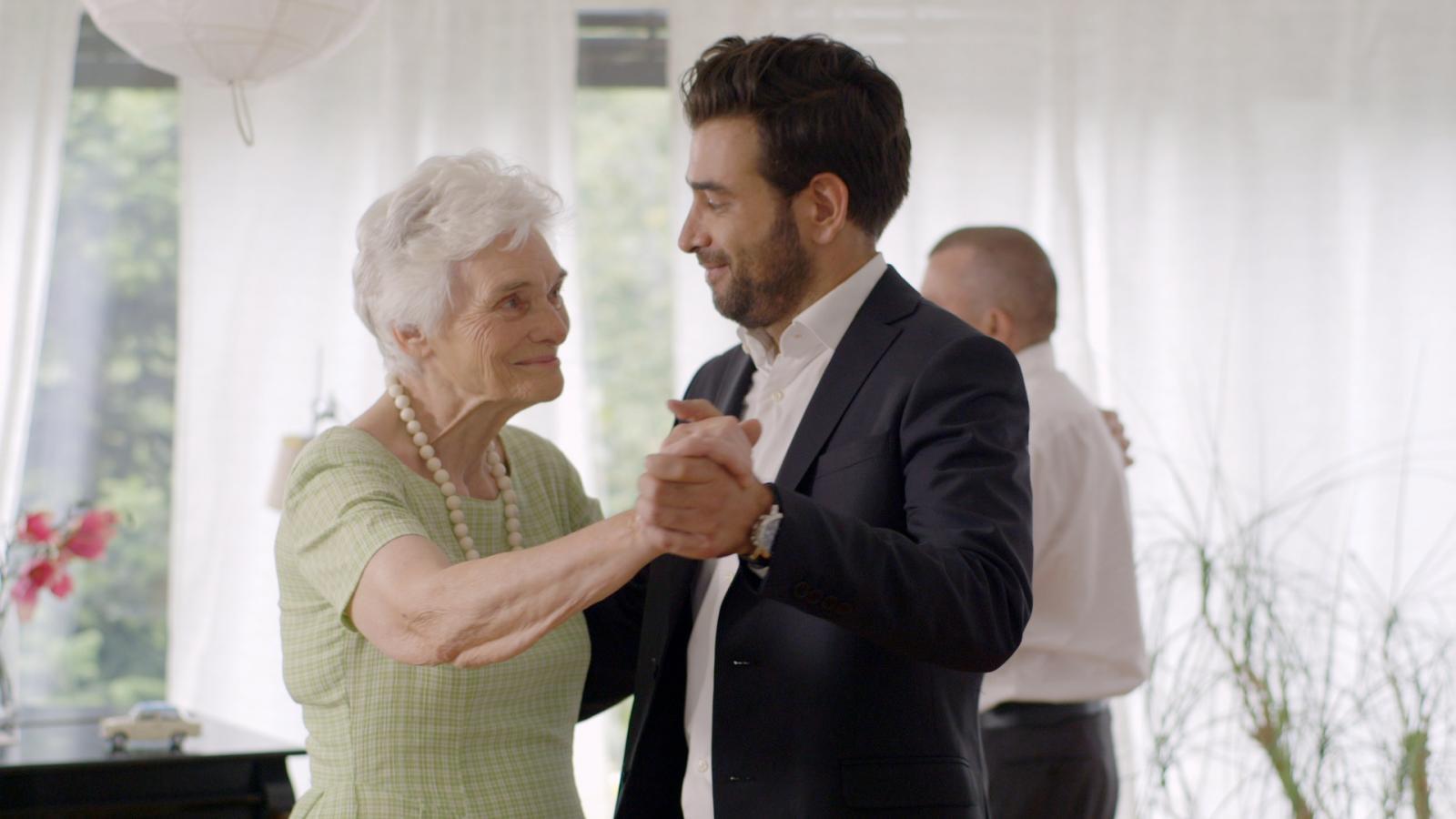 Ova je kampanja dio programa Superseniori, kojem je cilj prikupiti sredstva za podizanje kvalitete života starijih osoba te njihovo uključivanje u zajednicu.