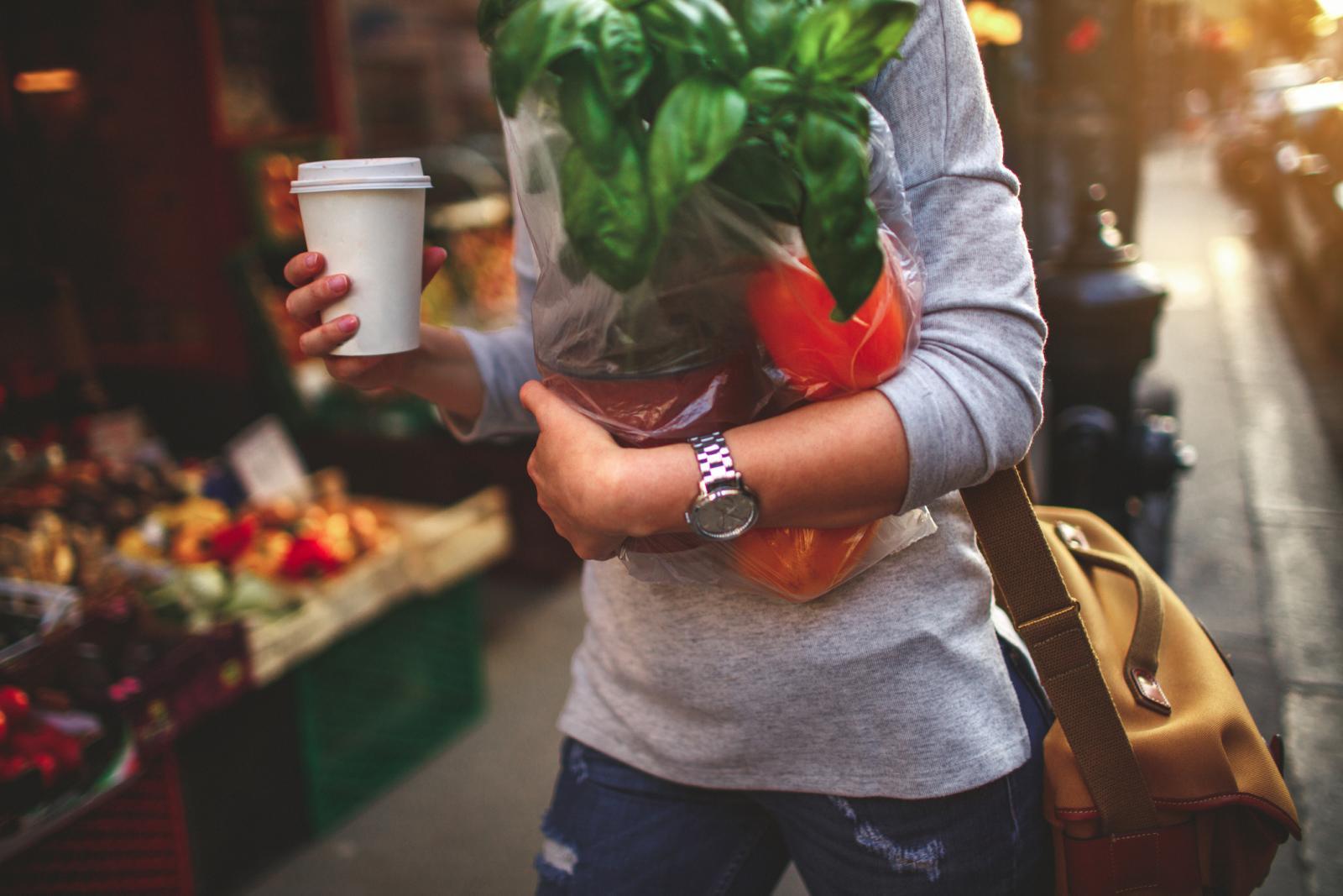 Mnoge analize utvrdile su da eko hrana sadrži znatno više vitamina, bjelančevina, ugljikohidrata, kalija, kalcija, željeza, enzima i ostalih nutrijenata.