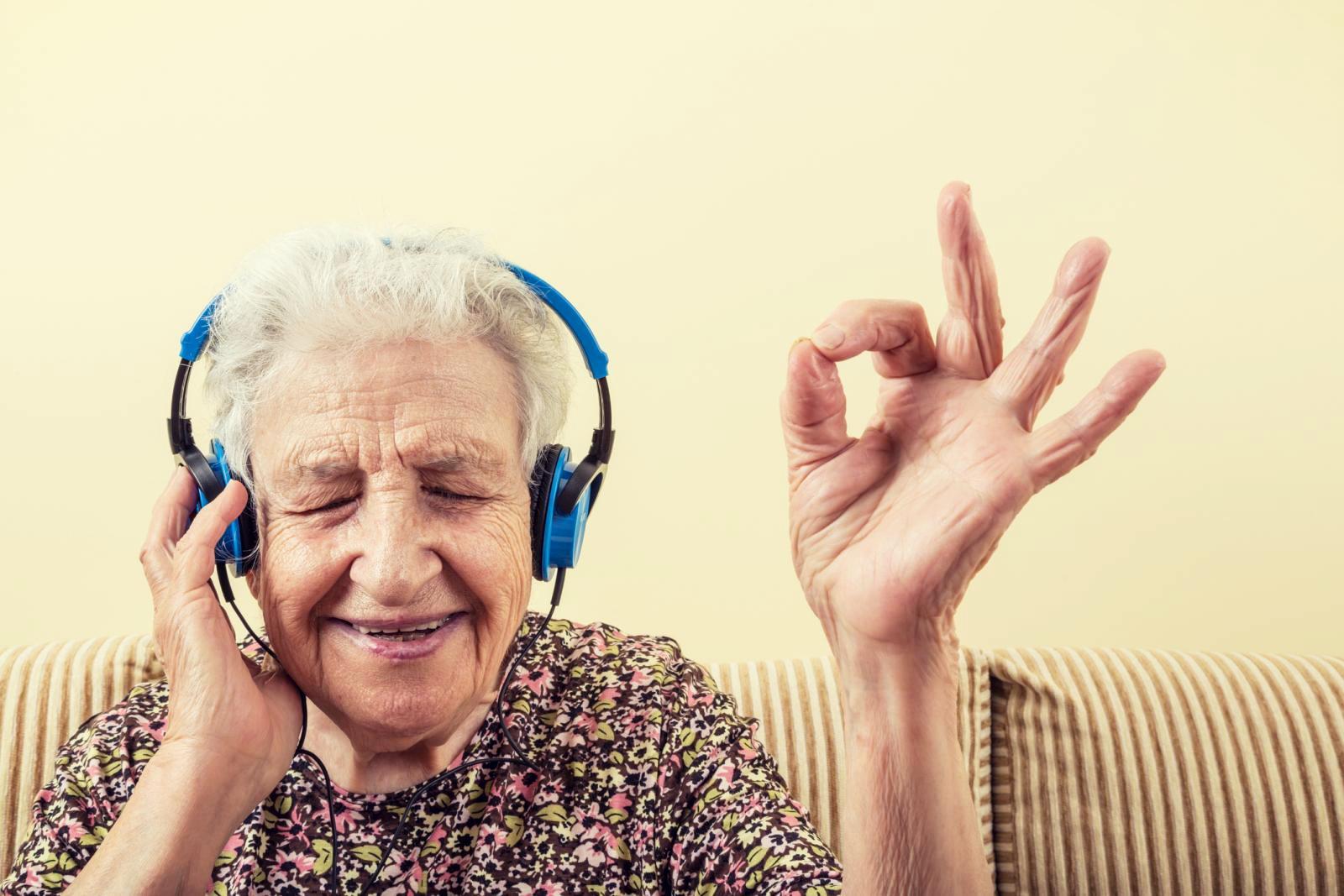 Dobri međuljudski odnosi i dnevna doza smijeha nezaobilazni su čimbenici dugovječnosti.