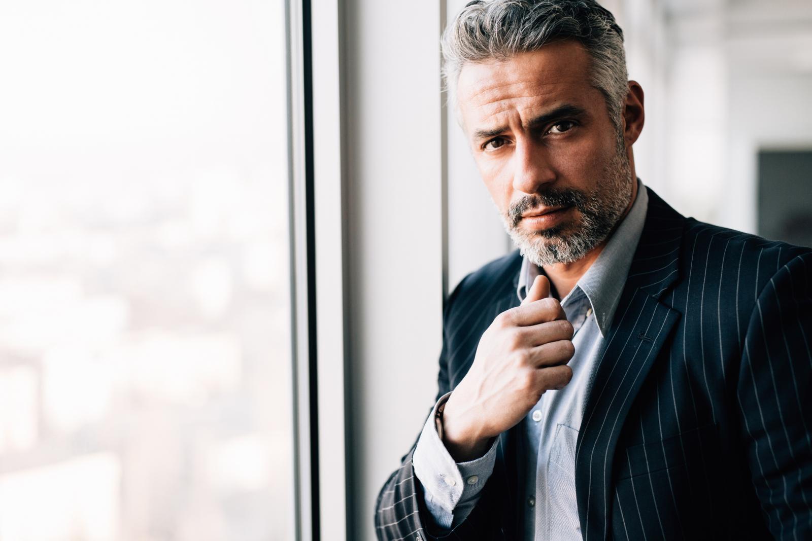 Sad znamo zašto muškarci, primjerice, mogu imati crnu bradu, a sijedu kosu... Jako zanimljivo.