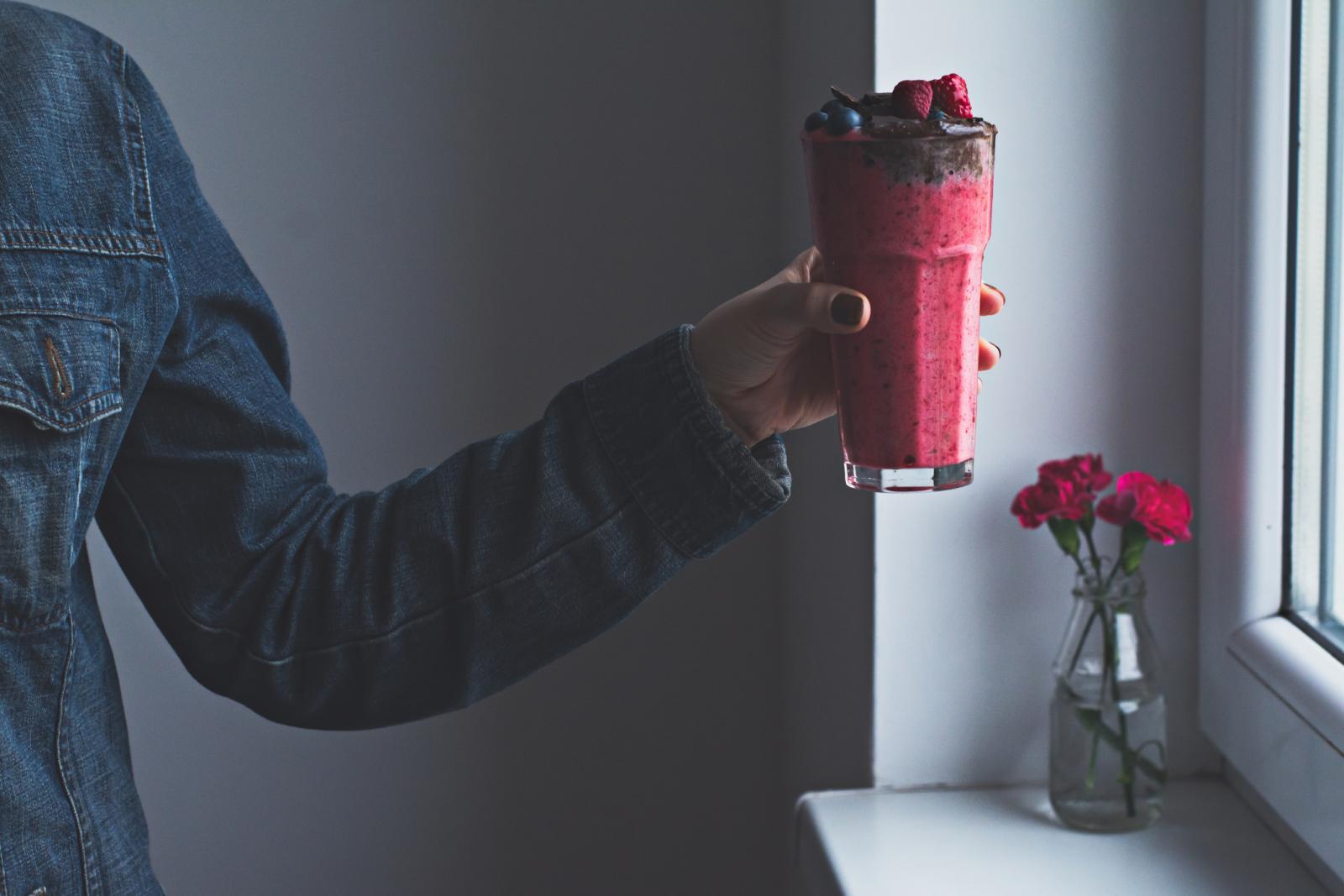 U ovo doba godine Mirkin favorit su jabuka, mrkva, celer i đumbir, no sokove možete raditi i od drugog voća i povrća.