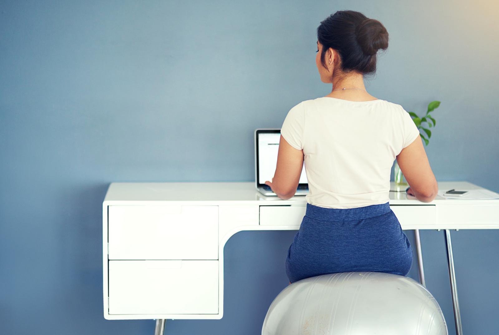 Cjelodnevno sjedenje na nestabilnoj površini rezultira poboljšanjem osjećaja za ravnotežu.