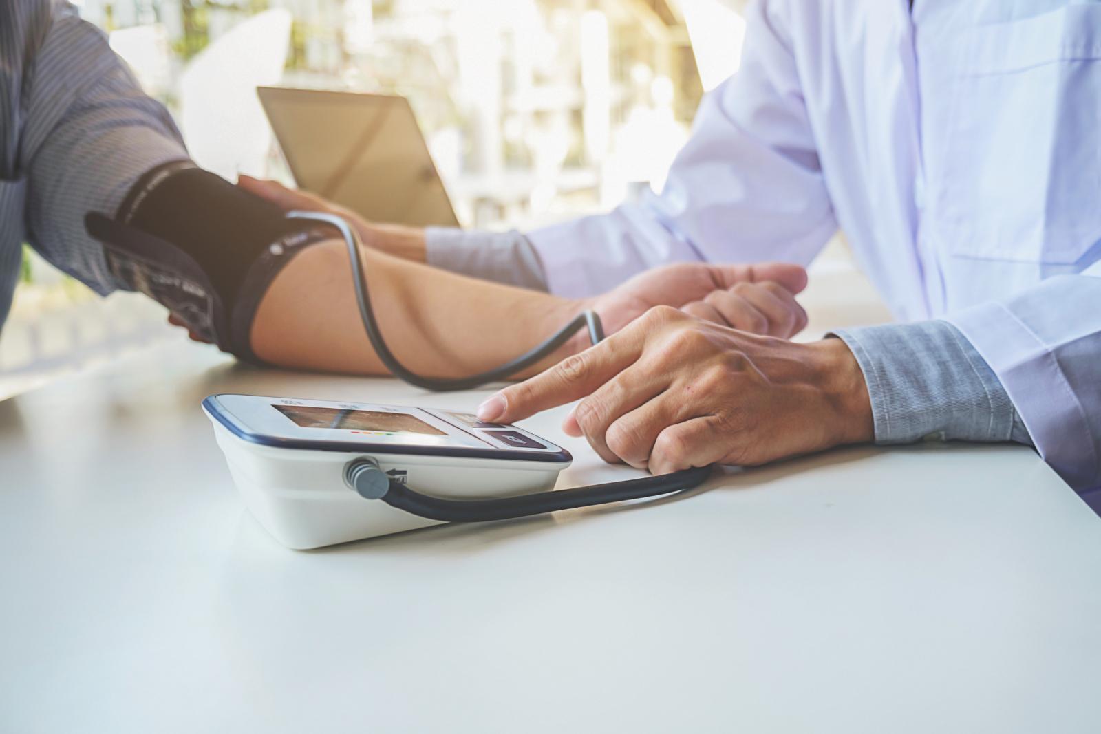 Povišen arterijski tlak je glavni nezavisni čimbenik rizika za razvoj kardiovaskularnih bolesti.