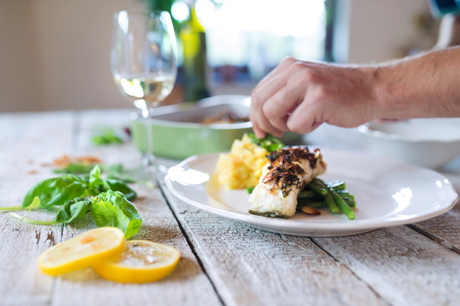 Za agrume čiju ćete koricu koristiti u jelima morate biti sigurni da nisu prskani jer se najviše pesticida nalazi upravo u korici.