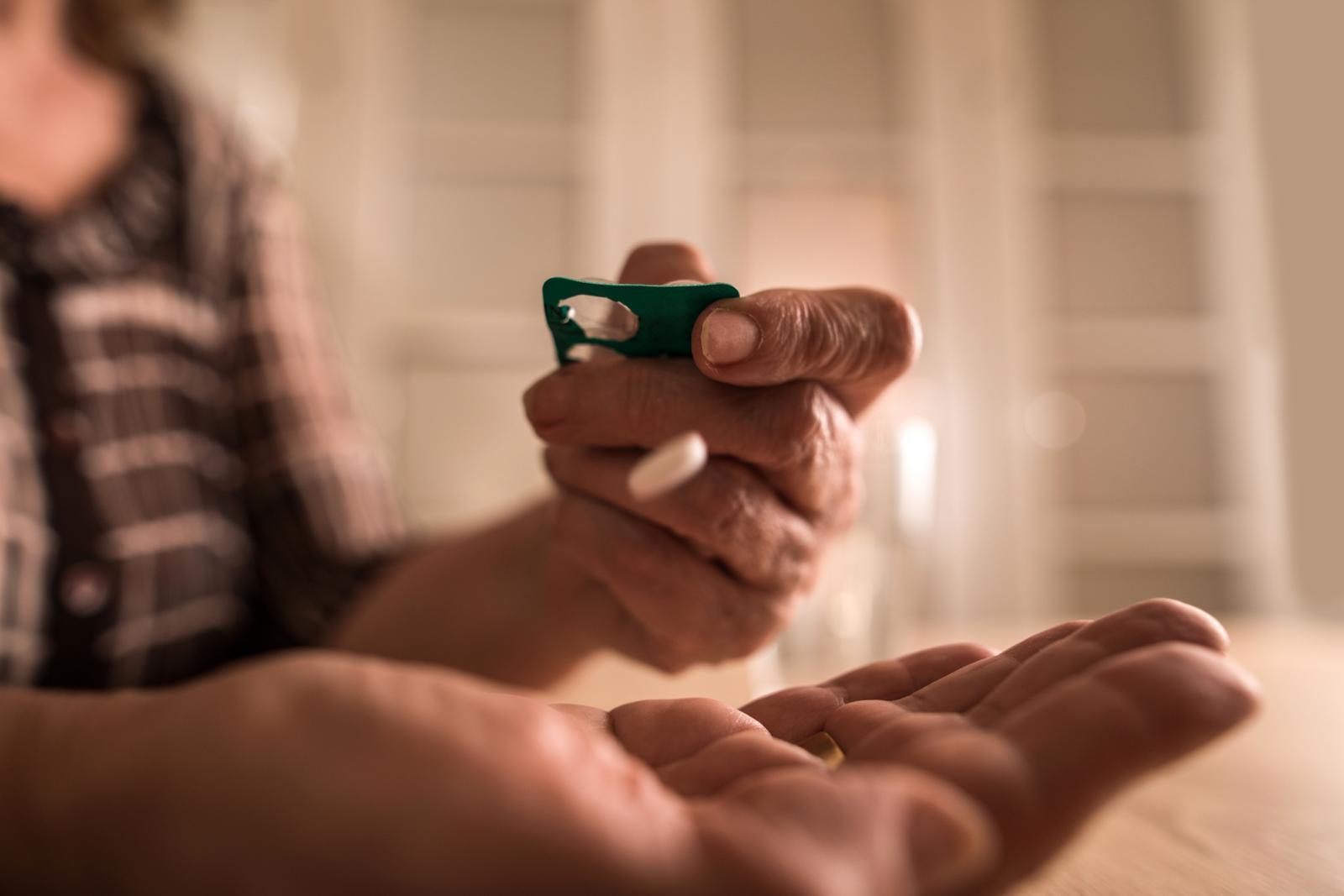 Uzimanje lijekova za razrjeđivanje krvi poput aspirina sprečava petinu ponovnih srčanih i moždanih udara, ali i dovodi do 3000 smrtnih slučajeva godišnje zbog prekomjernog krvarenja samo u Britaniji.
