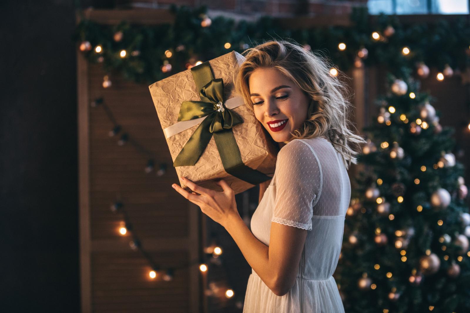 Još imate dovoljno vremena za ideje i listu za kupovinu poklona. No, ako vam ni smišljanje nikako ne ide pojednostavite stvar do maksimuma.