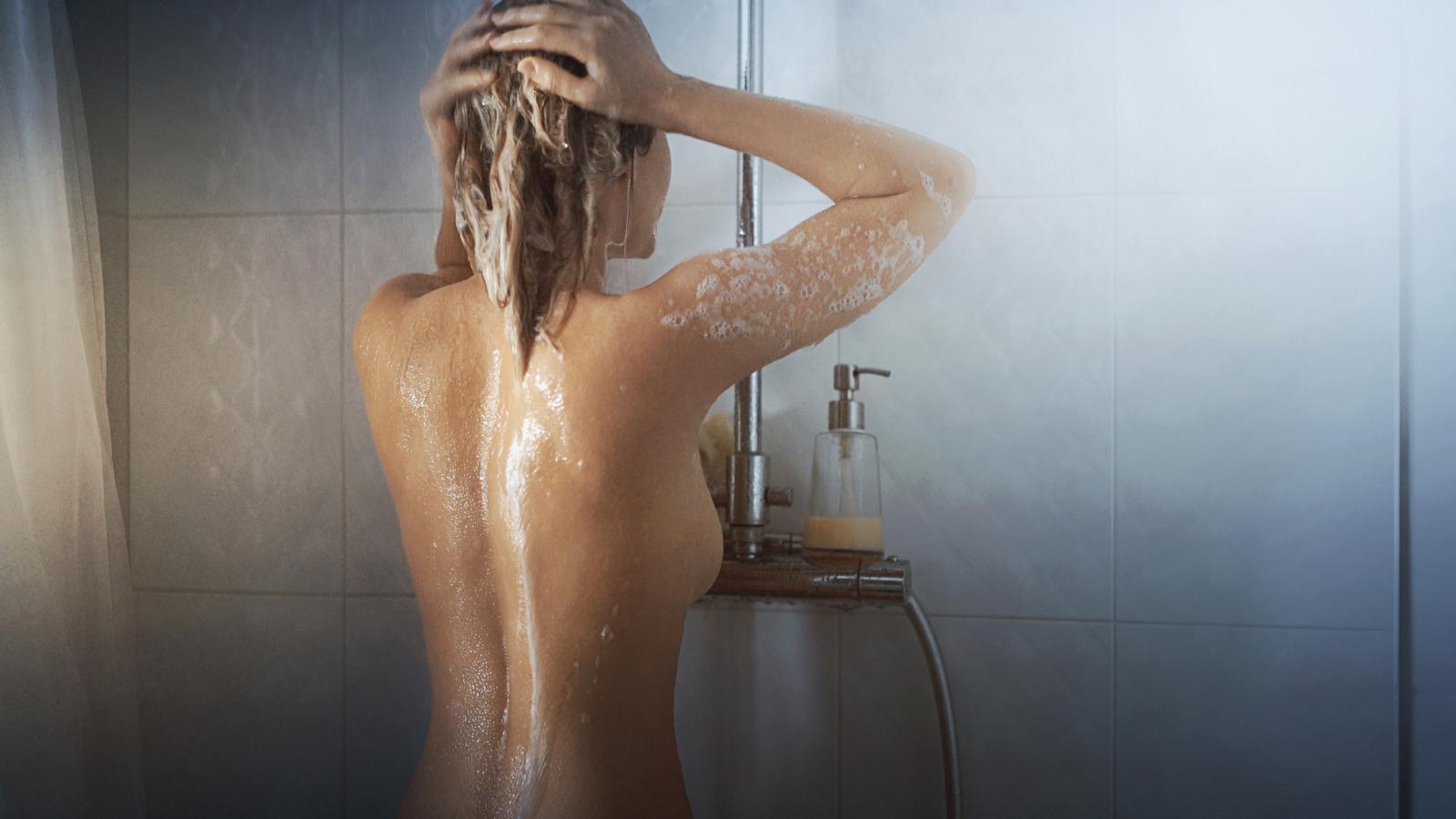 Hladna voda ne samo da će vas razbuditi već će vas osloboditi stresa i popraviti vam raspoloženje.