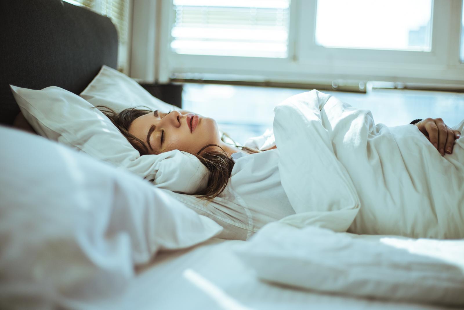 Znanstvenici previše spavanja povezuju s depresijom, upalama, većim rizikom od pretilosti, dijabetesa, srčanog i moždanog udara.