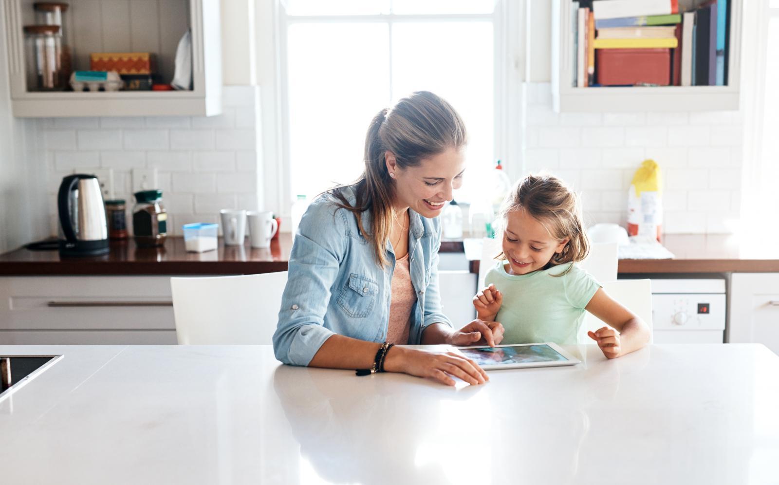 Ako vaše dijete voli uzeti u ruke tablet ili smartphone, neka barem bude korisno...