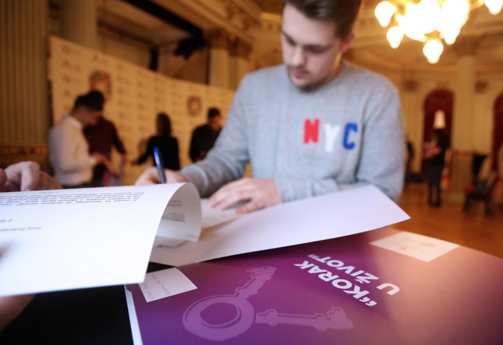 Akcijoa Korak u život do sada je osigurala više od 220 pojedinačnih stipendija.
