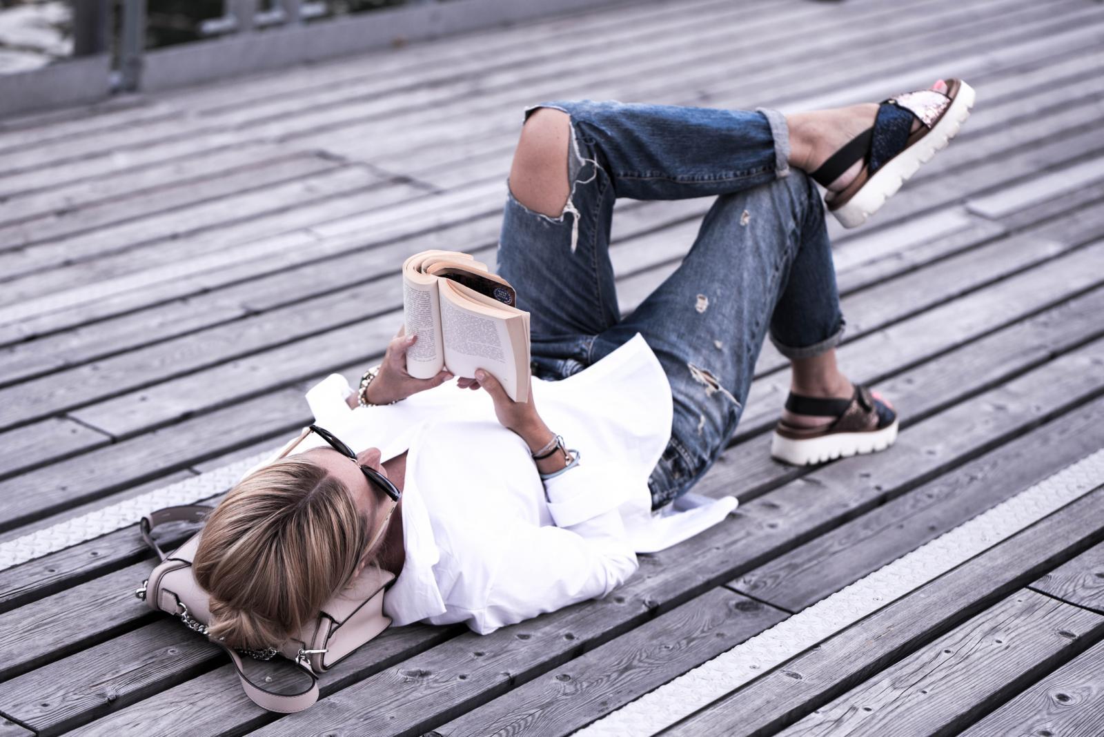 Pročitajte naglas rečenicu iz knjige. Od istih riječi napravite novu rečenicu. Pa još jednu...