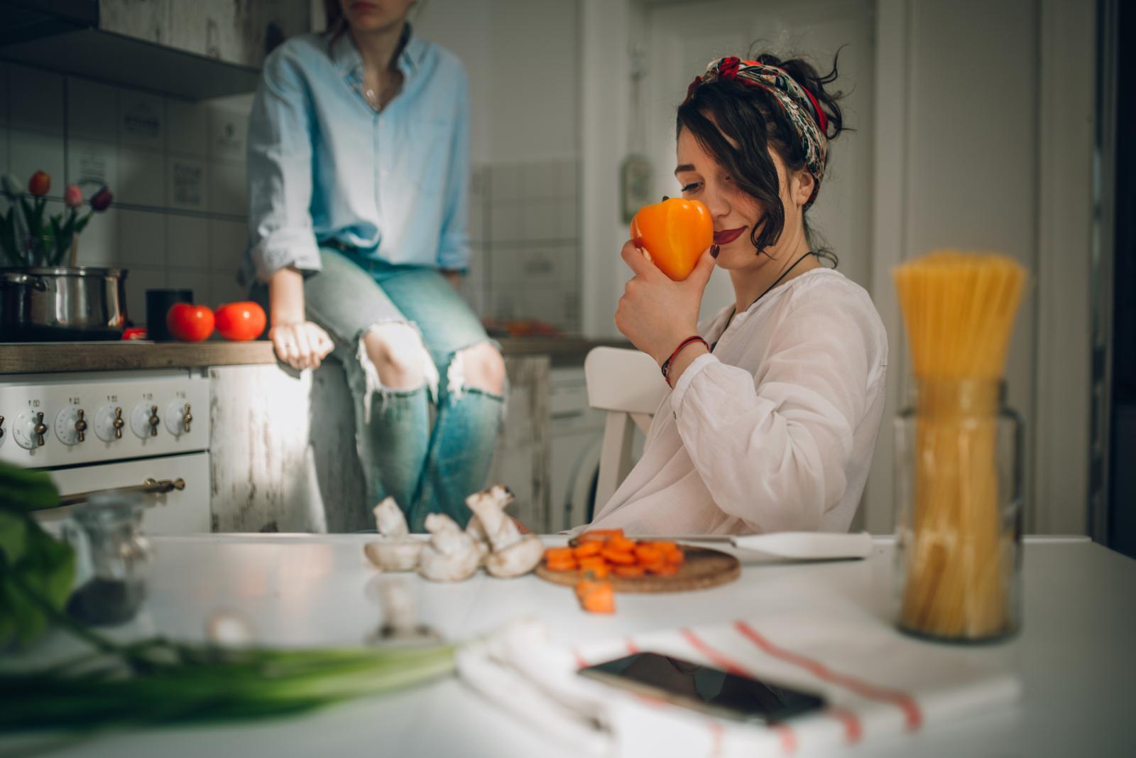 Sirovo voće i povrće sadrži više vitamina C i drugih antioksidanasa što je odlično za imunitet.
