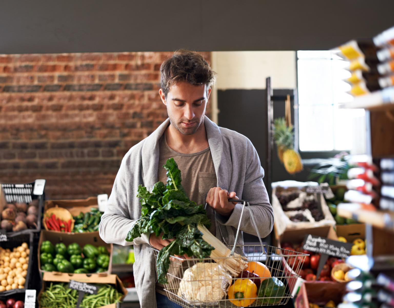 Studije su pokazale da klorofil, zeleni pigmet iz povrća, štiti debelo crijevo od raka, a zeleno povrće štiti i srce.