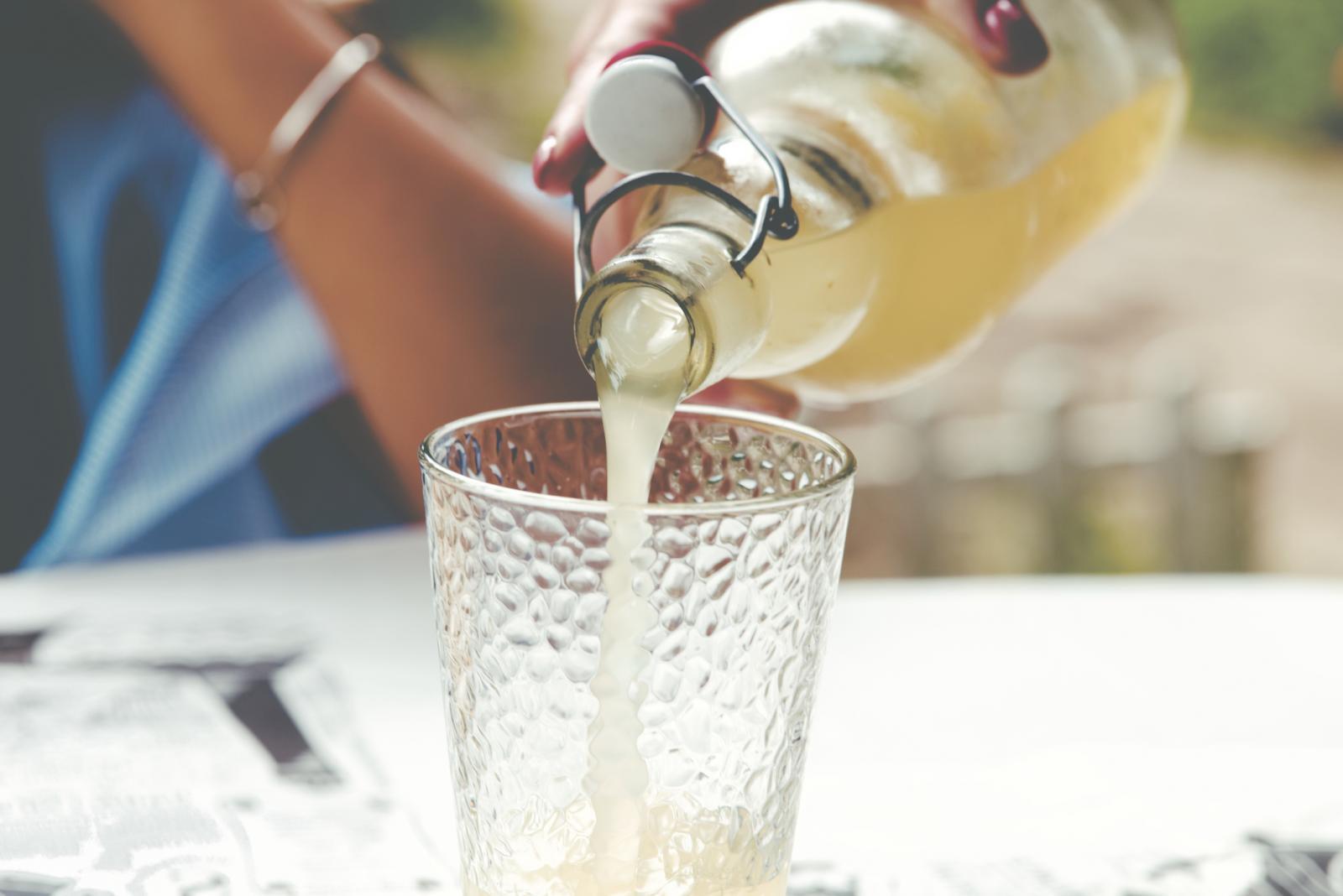 Iako je poželjno piti vodu s limunom ili limunadu tijekom detoksikacije, ipak budite umjereni.