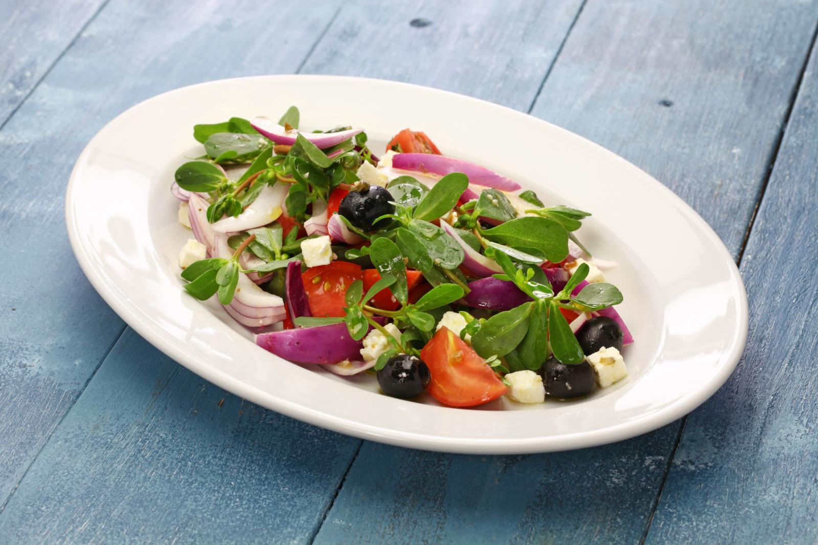 Pripremite ga poput drugog zelenog lisnatog povrća - na salatu, lešo, na varivo ili ga ukiselite.