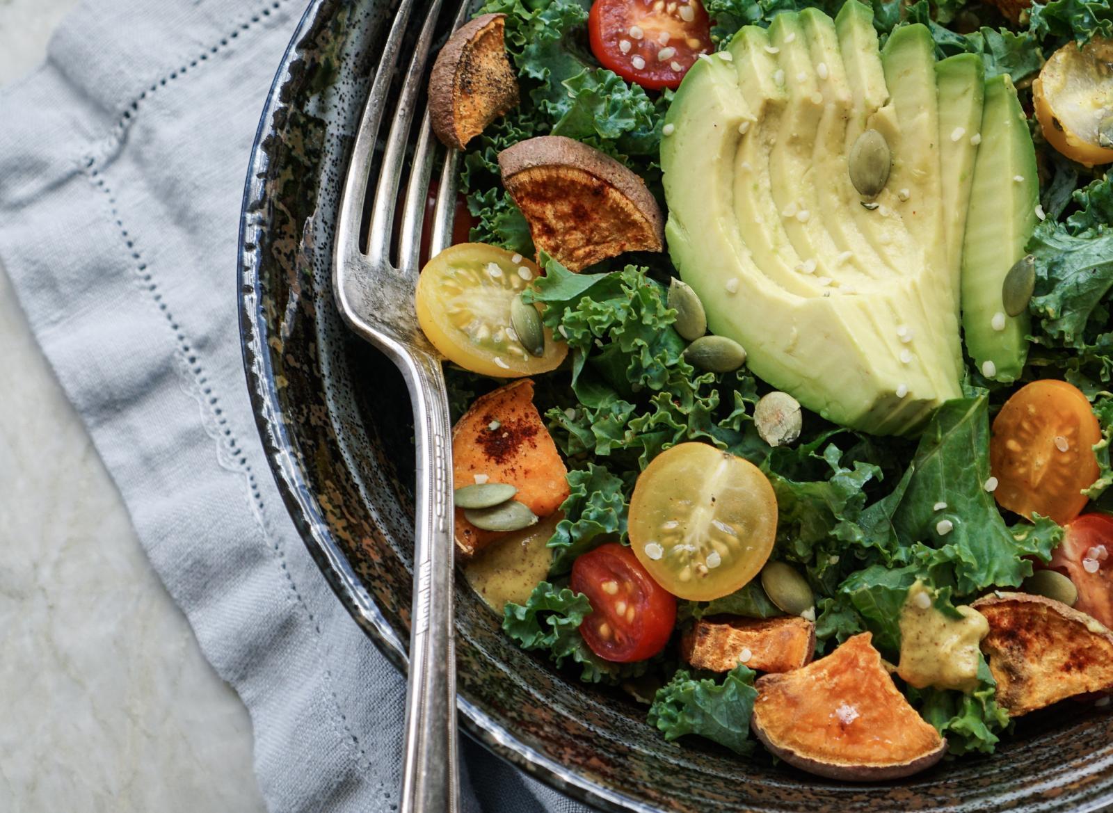 Pored toga, ovo je tropsko voće i dobar izvor bakra i vitamina C.