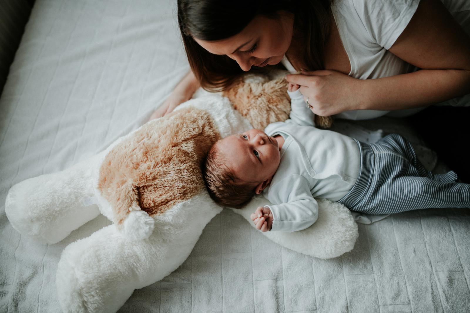 Nove preporuke kažu da temperaturu treba snižavati tek kad dijete pokazuje znakove klonulosti i promjene raspoloženja.