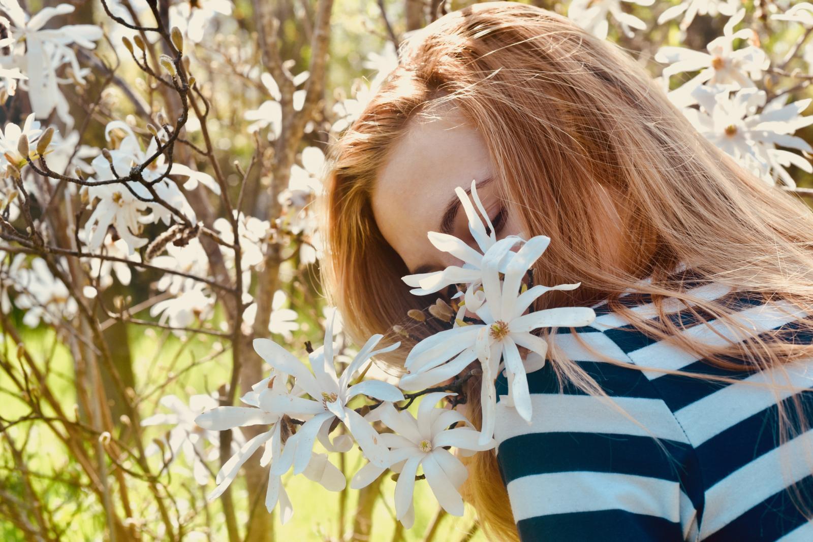 Prisutnost bjelančevina, masti, ugljikohidrata i vitamina u cvijeću ne razlikuje se mnogo od njihove prisutnosti u drugim dijelovima biljke, npr. listovima.