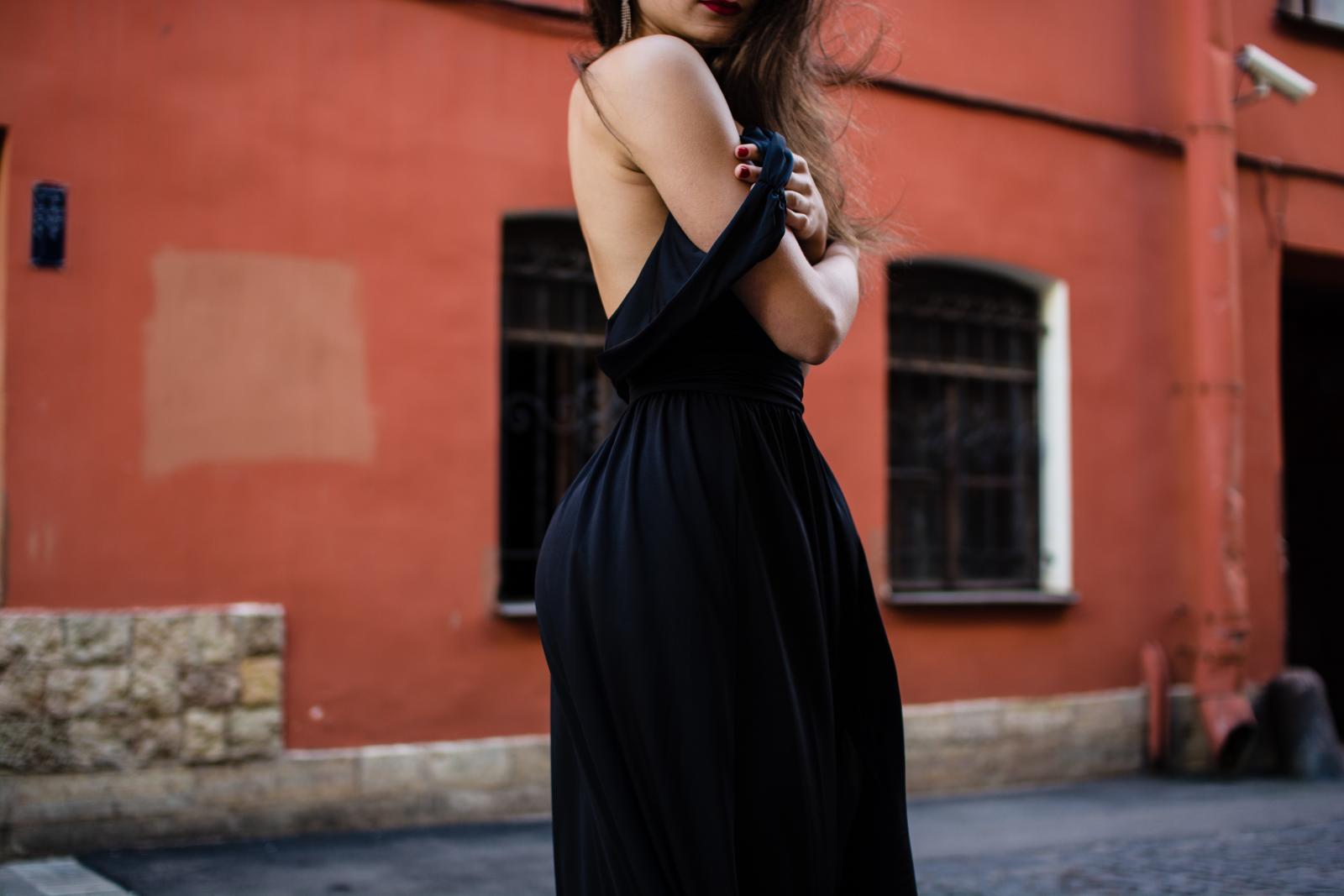 Svi mi imamo u ormaru onaj jedan komad od kojeg nam se tako teško odvojiti - ako je to crna haljina, ni ne morate.
