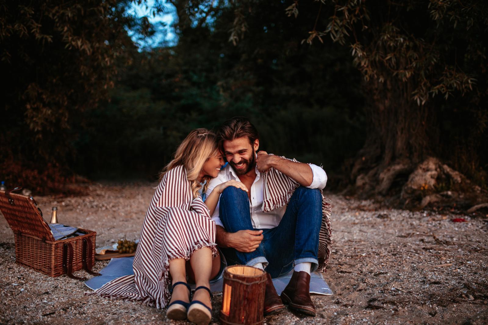 Sasvim je normalno da gotovo stalno želite biti s partnerom, ali važno je i priznati činjenicu da je i vrijeme koje provodite odvojeno vrlo bitno.