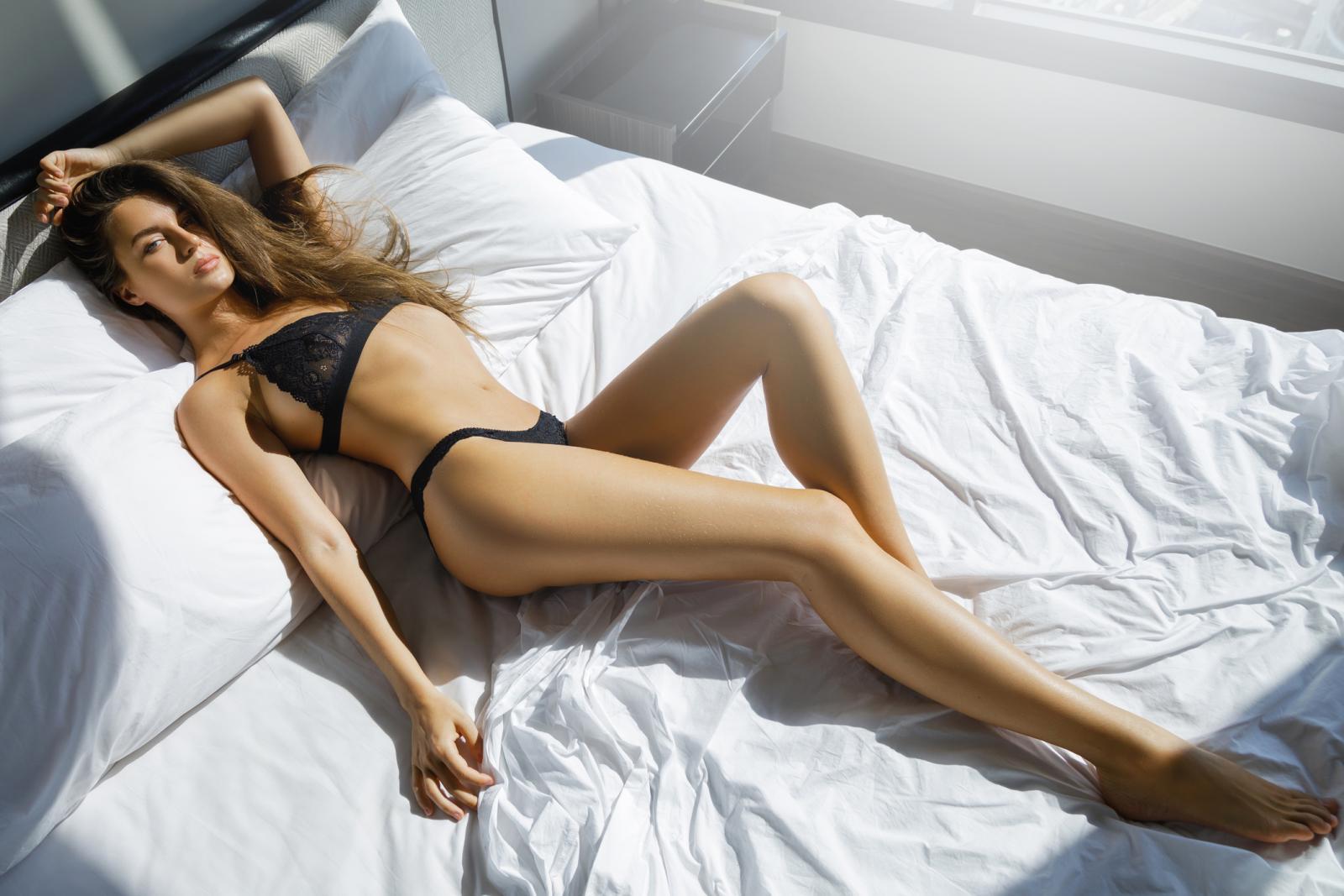 Postoje žene koje imaju znatno jače izraženu seksualnu želju od svojih partnera. U tim slučajevima, ako zanemarimo potencijalni pritisak ovih socijalno uvjetovanih stereotipa o muškarcima i ženama, problem će biti jednak kao i kad muškarac ima veću seksualnu želju.
