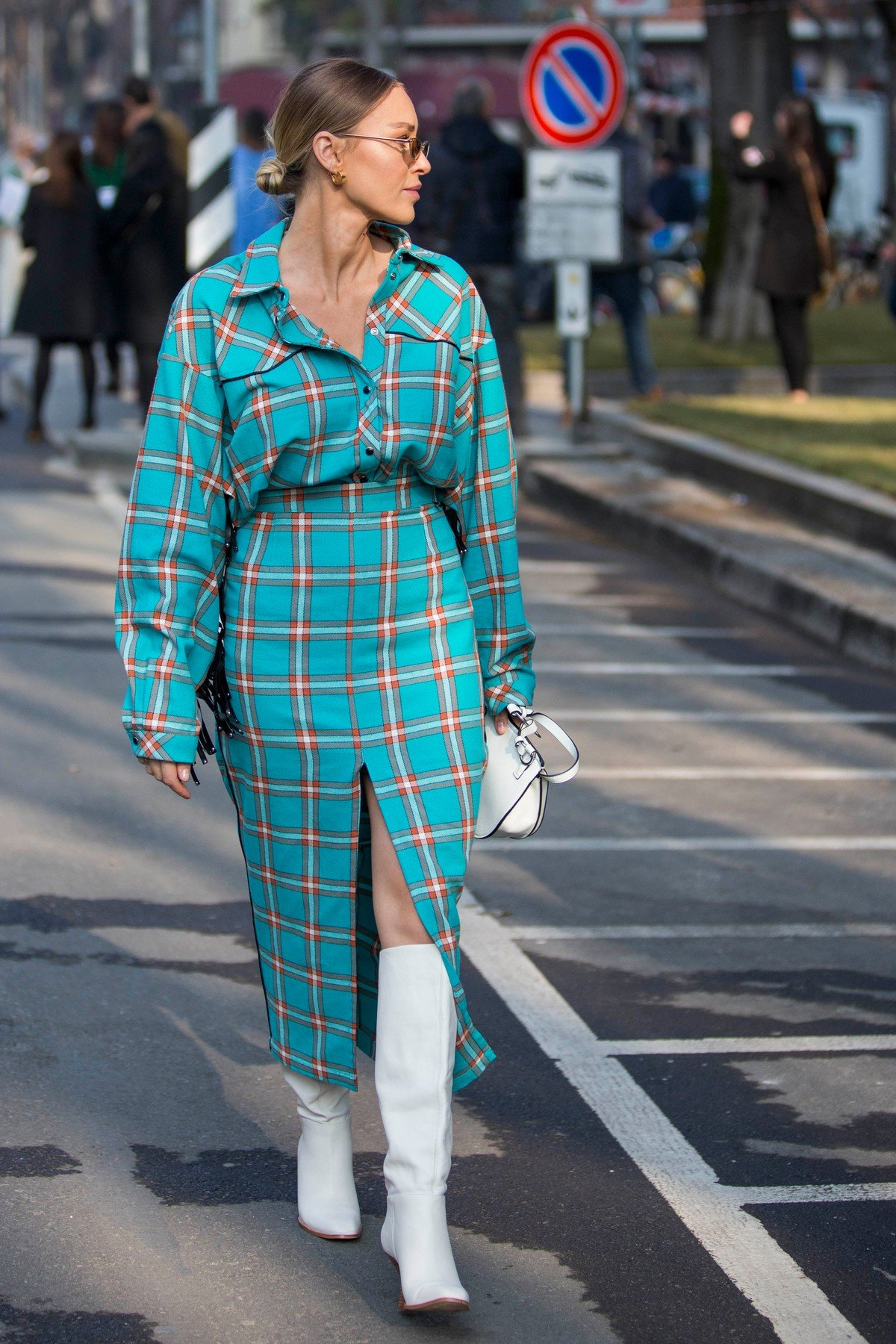 Fashion: street style at Milan Fashion Week 2019 outside of the Armani show in Milan on February 21, 2019. 21 Feb 2019, Image: 415407186, License: Rights-managed, Restrictions: World Rights, Model Release: no, Credit line: Profimedia, Mega Agency